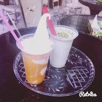 Photo taken at Vozara Ice Cream   بستنی وزرا by sahar f. on 7/23/2017