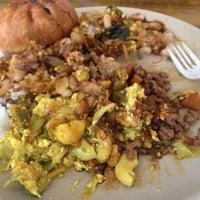Снимок сделан в La Casa Vegetariana пользователем Yossimar R. 10/31/2012