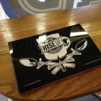 Foto tirada no(a) Rise Up Coffee por Mark D. em 1/11/2013