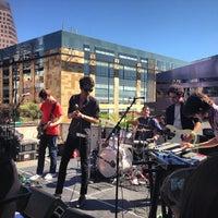Photo prise au W Austin par Melanie R. le3/15/2013