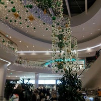 Foto scattata a Shopping City Süd da Danica M. il 12/19/2012