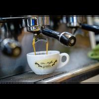 Foto scattata a Die Kaffee Privatrösterei da Business o. il 8/15/2017