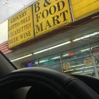 Photo taken at B & N Food Mart by Jenn💯🇮🇹♏️ R. on 6/29/2017