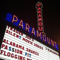 Photo prise au Paramount Theatre par Kari S. le3/4/2013