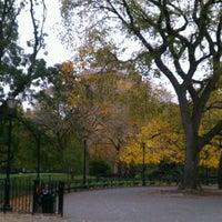 Das Foto wurde bei Tompkins Square Park von Ryan L. am 10/28/2012 aufgenommen