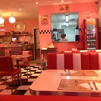 Photo taken at Peggy Sue's by Juan Pablo B. on 12/22/2012