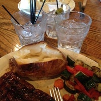 Photo taken at Mac's Broiler & Tap by Eric D. on 9/4/2012