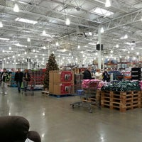 Photo taken at Costco Wholesale by Banana m. on 12/23/2012