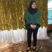 Photo taken at Malaysian Petroleum Club Restaurant by Haliza S. on 4/28/2017