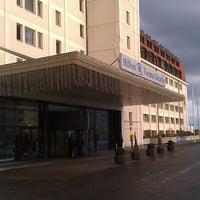 Снимок сделан в Hilton Vienna Danube Waterfront пользователем Константин М. 12/5/2012