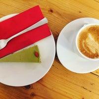 Снимок сделан в Schöndorf Bio Cafe пользователем Patricia B. 2/6/2017
