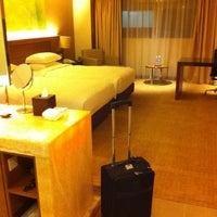 Photo taken at Hyatt Regency Kinabalu by Mioy on 10/11/2012