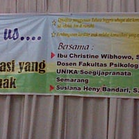 Photo taken at De Koning restaurant Jl Pemuda Semarango by xtine w. on 11/11/2014