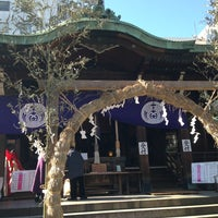 Photo taken at 鉄砲洲稲荷神社 by Mami O. on 1/3/2013