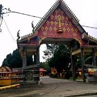 Photo taken at Wat Rajaphojong Thai Buddhist Temple by JW H. on 9/30/2014