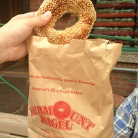 Foto tirada no(a) Fairmount Bagel por ネギ em 7/5/2013
