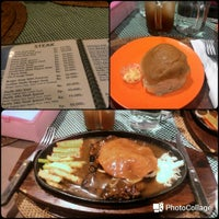 Photo taken at Pondok Steak Sari Pacific by Aganto S. on 12/17/2015