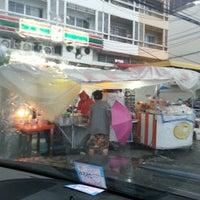 Photo taken at บ้านปังยิ้ม สาย4 by Cherd on 6/18/2013