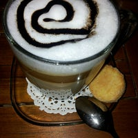 Photo taken at Shakespeare Coffee & Bistro by ^^€|>!#@ on 5/19/2013
