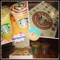 Photo taken at Starbucks by Amelialing on 10/7/2013