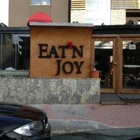 Foto scattata a Eat'n Joy da TRKN S. il 2/24/2013
