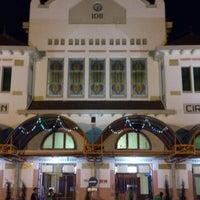 Photo taken at Stasiun Cirebon Kejaksan by Rizky Maulana N. on 1/25/2013