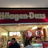 Photo taken at Haagen-Dazs by Jeancarlos A. on 12/8/2012