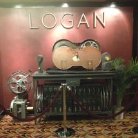 Photo prise au Logan Theatre par Julian C. le5/25/2013