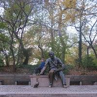 11/23/2017 tarihinde GiB kmziyaretçi tarafından Hans Christian Andersen Statue'de çekilen fotoğraf