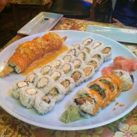 Снимок сделан в Hana Japanese Restaurant пользователем Ashley M. 1/13/2013