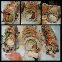 Снимок сделан в Hana Japanese Restaurant пользователем Ashley M. 1/8/2014