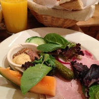 Photo taken at Le Pain Quotidien by Shugo H. on 5/18/2013