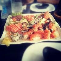 Foto tirada no(a) Hyrami Sushi por Daniel P. em 12/14/2012