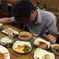 Photo taken at 麻蒲烧烤店 마포숯불갈비 by Noel T. on 6/25/2015