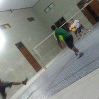 Photo taken at Indoor Badminton, Res Kota by •FammZ™• ♣. on 4/12/2013