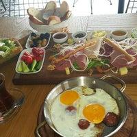 Foto tirada no(a) Boğa Kasap Steakhouse por . .. em 9/15/2015