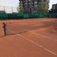 Photo taken at Havuzlu Konak Tenis Kortları by Burç on 4/19/2015