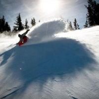 Photo taken at Mammoth Mountain Ski Resort by orangecounty.com on 2/10/2012