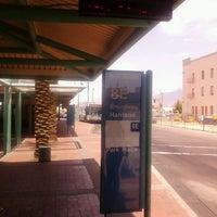รูปภาพถ่ายที่ Sun Tran Ronstadt Transit Center โดย Gregg Z. เมื่อ 5/8/2012