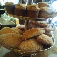 Foto tomada en La Duni Latin Kitchen & Baking Studio por Cynthia H. el 1/29/2012