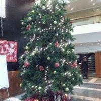 Foto tomada en Hotel NH por MARCO M. el 12/16/2011