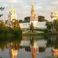 6/22/2012 tarihinde Аrina В.ziyaretçi tarafından Novodevichy Park'de çekilen fotoğraf