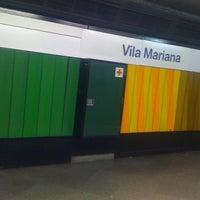 Foto tirada no(a) Estação Vila Mariana (Metrô) por Thiago C. em 7/27/2011