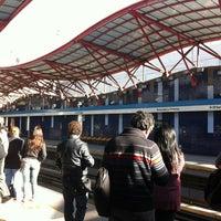 Das Foto wurde bei Metro La Cisterna von Matias A. am 10/28/2011 aufgenommen