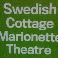 8/6/2011 tarihinde Karen K.ziyaretçi tarafından Swedish Cottage Marionette Theatre'de çekilen fotoğraf