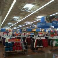 Photo taken at Walmart Supercenter by 🔊Eddie Getdown O. on 12/9/2011