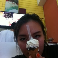 Photo taken at Ha Chai Ice~cream by Atcharaphan P. on 6/10/2012