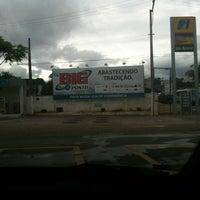 Photo taken at Big Posto (Ipiranga) by Fernando R. on 1/2/2012