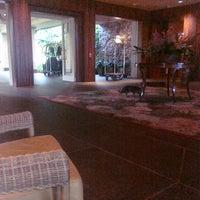 Photo taken at The Ritz-Carlton, Kapalua by Alejandra D. on 6/24/2011