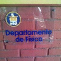Photo taken at Departamento de Fisica by René A. on 12/29/2011